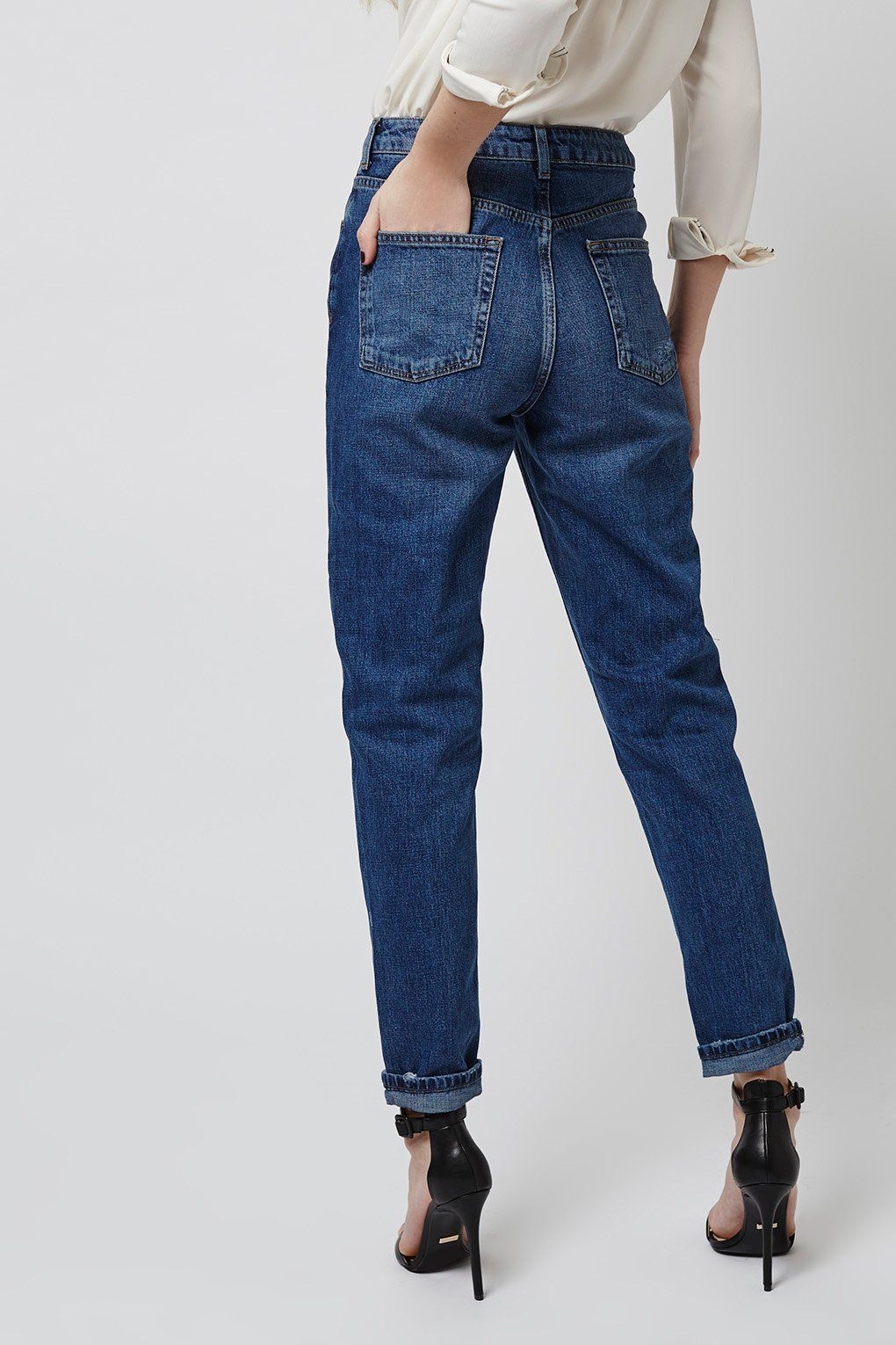 d1efa78367d MOTO Dark Blue Mom Jeans - Topshop Europe | mom jeans in 2019 | Blue ...