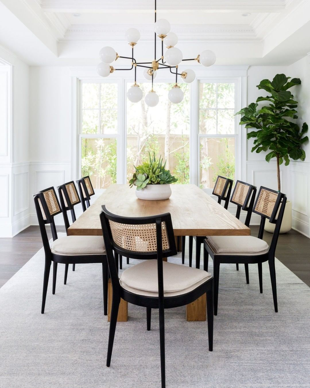 Casual Dining Rooms Decorating Ideas For A Soothing Interior: Even Our #brentwoodproject Clients Who Purchased A Turn