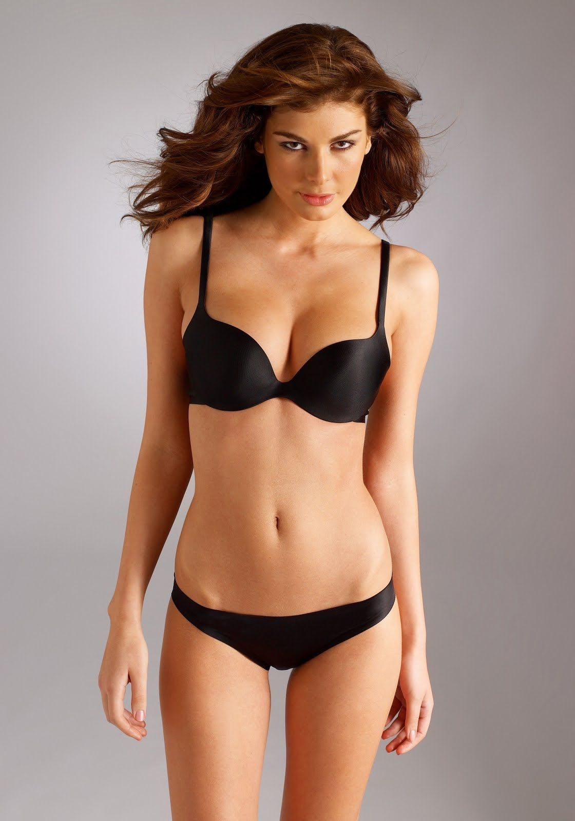 Albanian Model Angela Martini Models Rating Rising