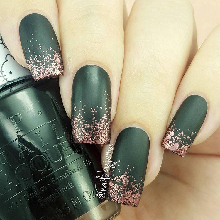 30 Holiday Nail Ideas Topknots And Pearls Green Nails Glitter Tip Nails Gold Nails