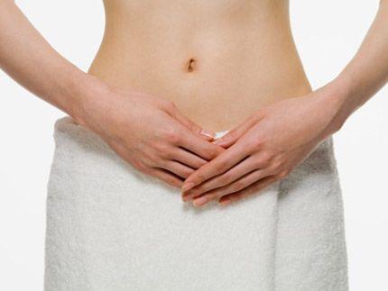 Viêm cổ tử cung là tình trạng viêm nhiễm xảy ra ở ống cổ tử cung, có thể do vi khuẩn, nấm hay ký sinh trùng gây ra. Mầm bệnh gây viêm cổ tử cung cũng gióng như gây viêm âm đạo, và thường thì viêm cổ tử cung là biến chứng của viêm âm đạo. Phòng khám Thiên Tâm chữa viêm âm đạo uy tín, chất lượng nhất tại Hà Nội