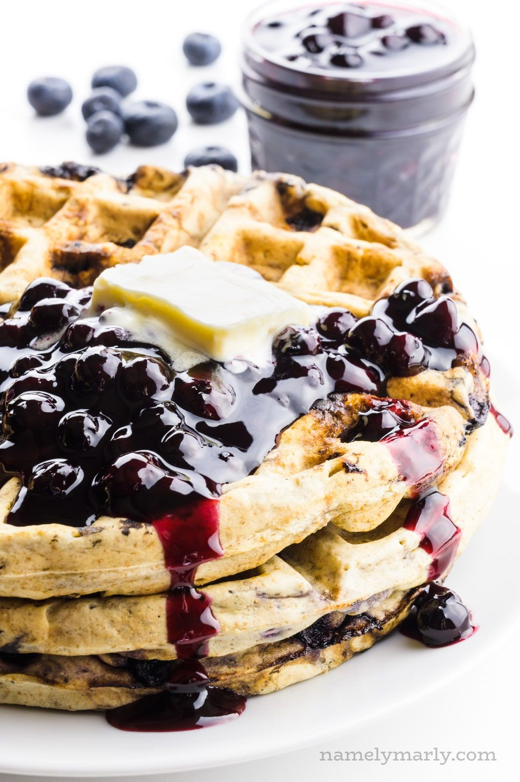 Want The Best Blueberry Waffles You Want Them With Lots Of Juicy Blueberries These Simple Waffles B In 2020 Blueberry Waffles Blueberry Waffles Recipe Waffle Recipes