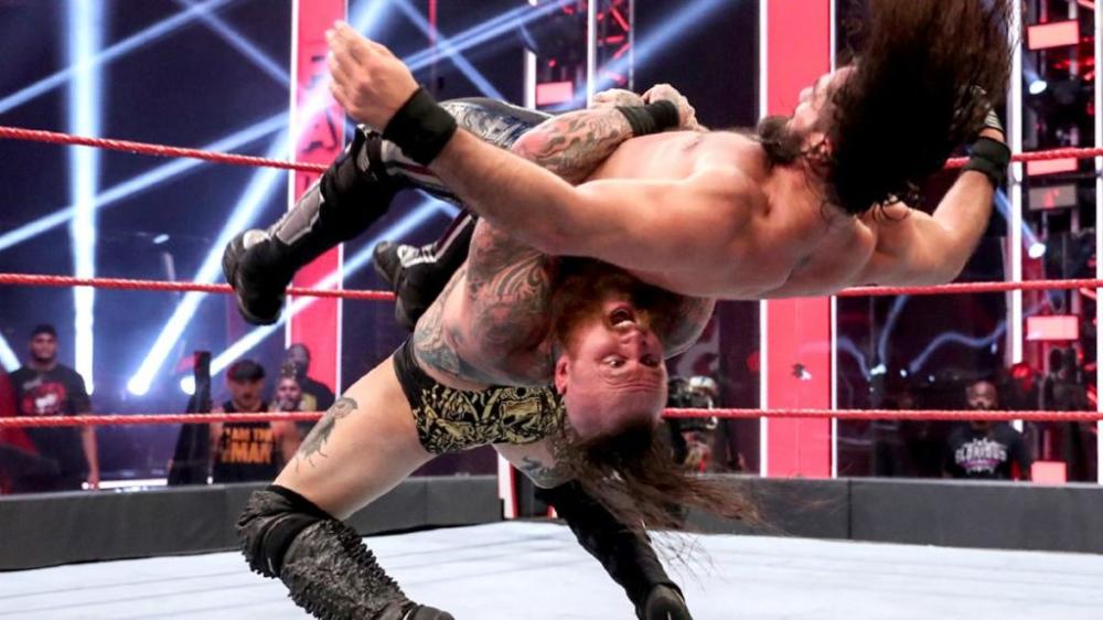 Aleister Black Take Rey S Revenge From Seth Rollins Sportsmania Seth Rollins Wrestling News Wwe