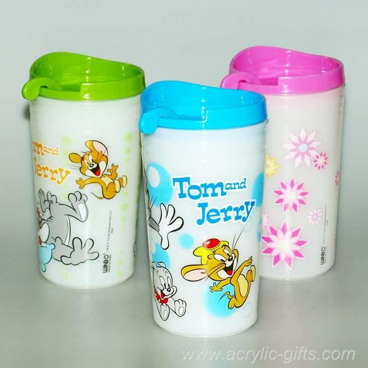 The cover cup with a spoon, good for make coffic  http://www.aliexpress.com/store/814409