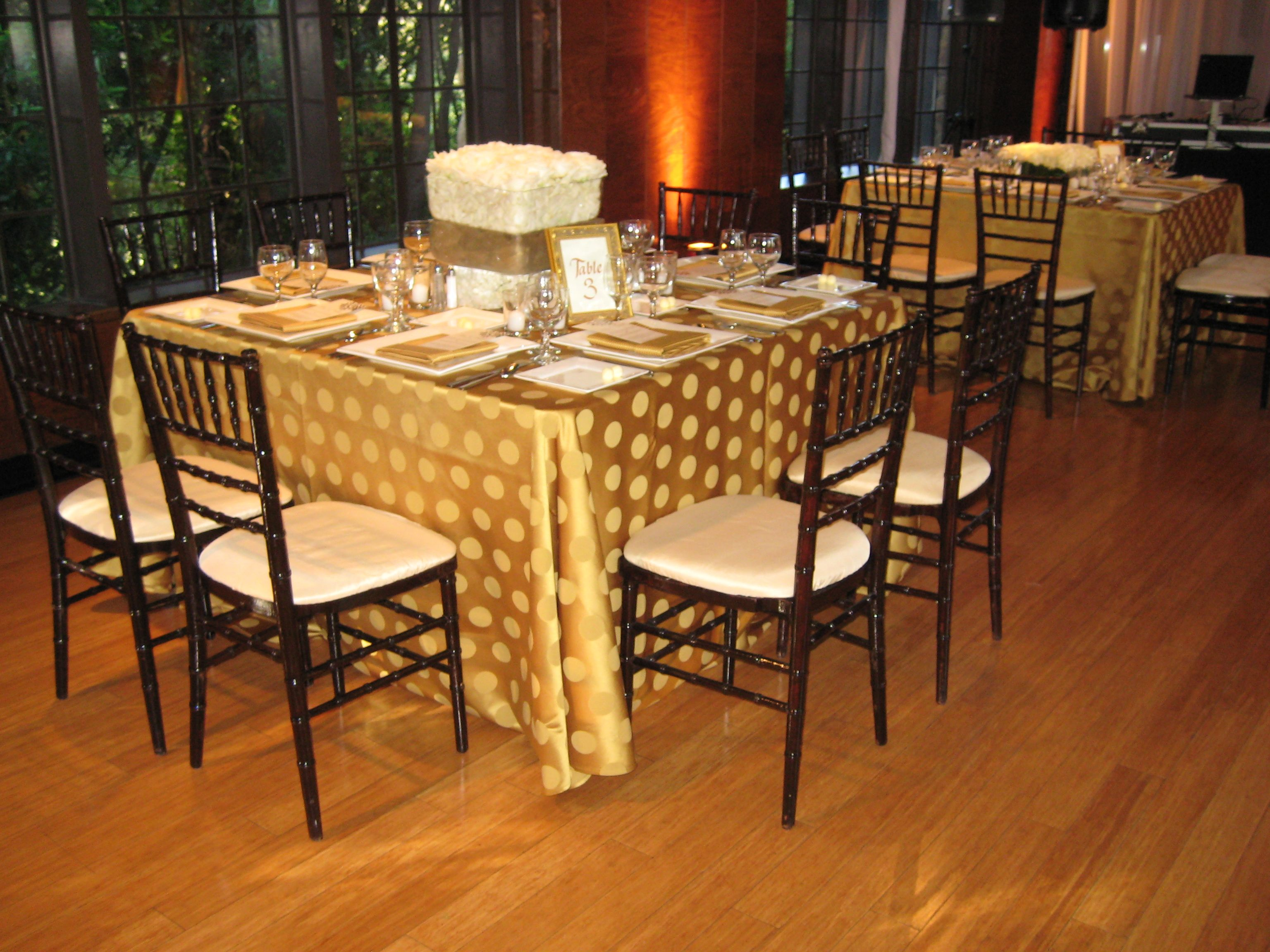 Mahogany Chiavari Chair Rented 54 Quot Square Tables Gold Specialty Linens Mahogany