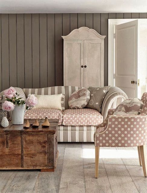 ... Decorating Ideas On A Budget   Shabby Chic Living Room L. Warm Greys  And Pinks  Vanessa Arbuthnott. Trash To Treasure: How To Make A Pallet Wood  Clock
