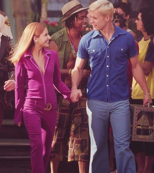 Fred And Daphne In The Movie Of Scooby Doo Freddie Prinze