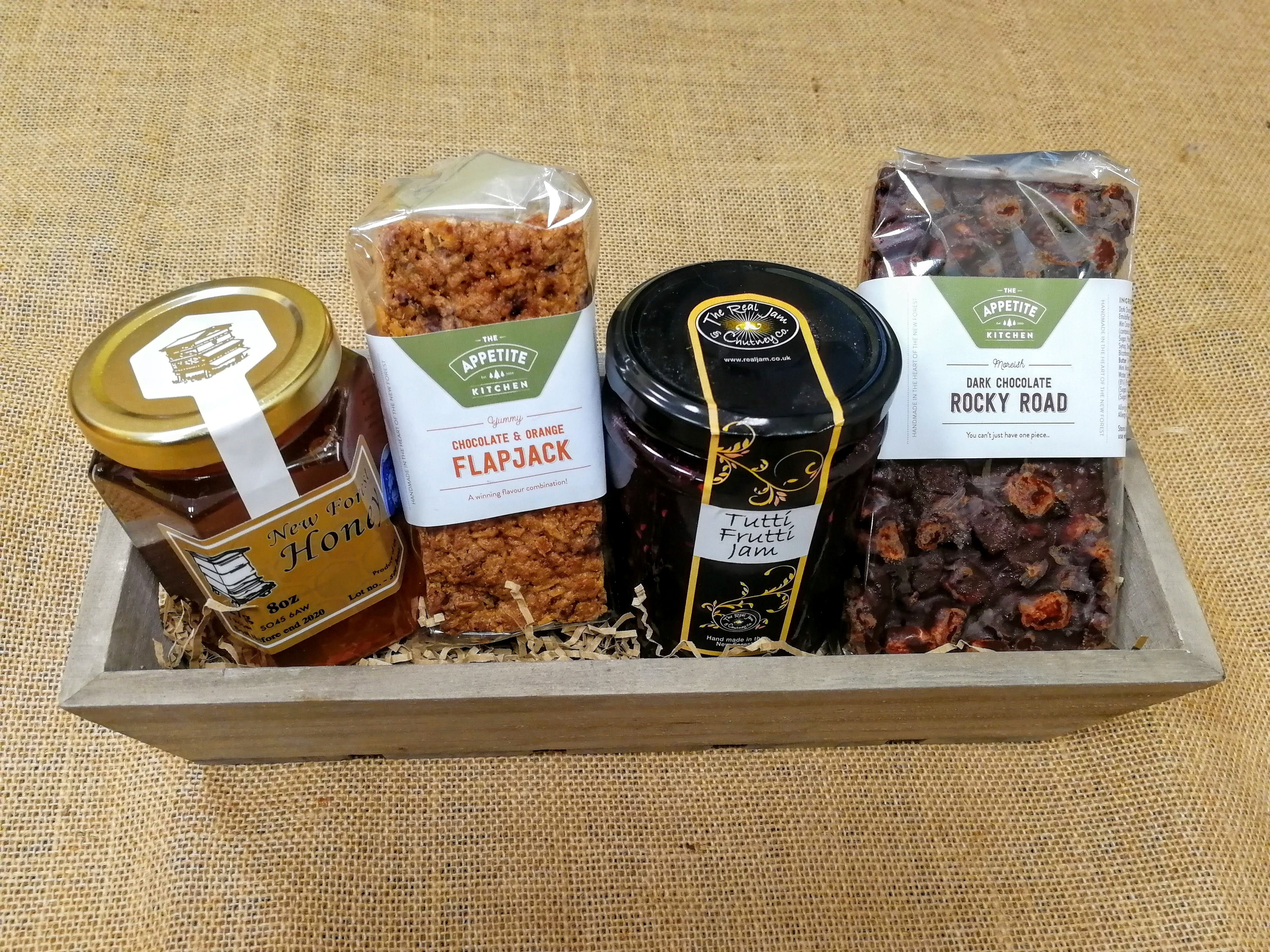 Sweet Treats Fathers Day Hamper #Gifthamperideas #Fathersday2018 #Foodie #Newforestproduce