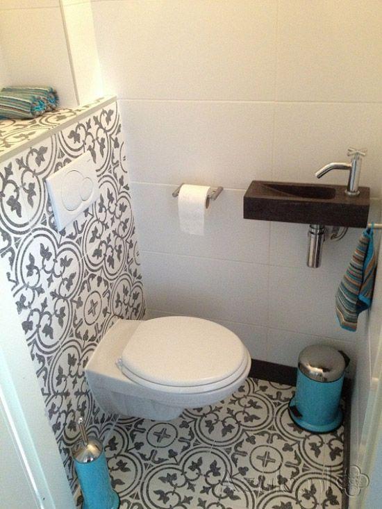 Toiletruimte vintage tegels google zoeken bathrooms badezimmer schmales badezimmer en - Zementfliesen dusche ...