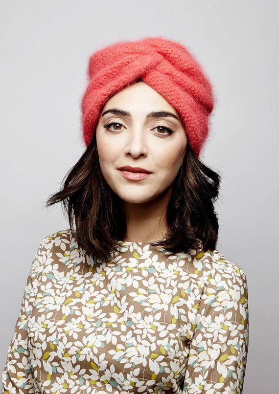 bonnet angora style turban coloris corail par gluckfactory sur etsy joli dressing pinterest. Black Bedroom Furniture Sets. Home Design Ideas