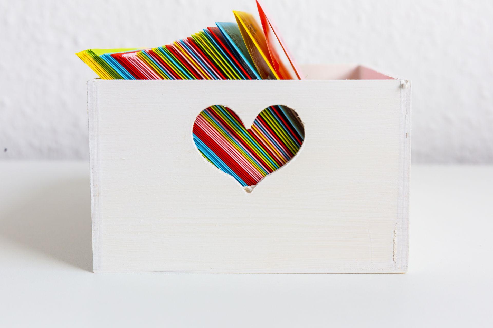 ffnen wenn briefe das perfekte geschenk zum valentinstag. Black Bedroom Furniture Sets. Home Design Ideas
