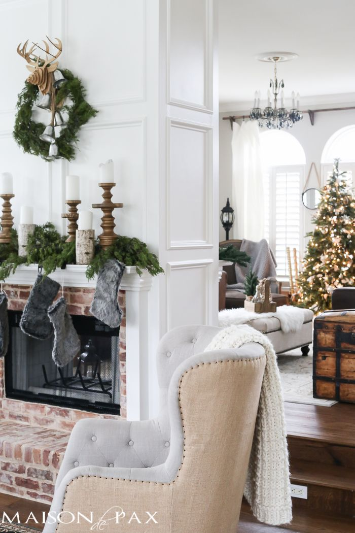 Green And White Christmas Decorating Ideas Maison De Pax Christmas Guest Room White Christmas Decor Christmas Living Rooms