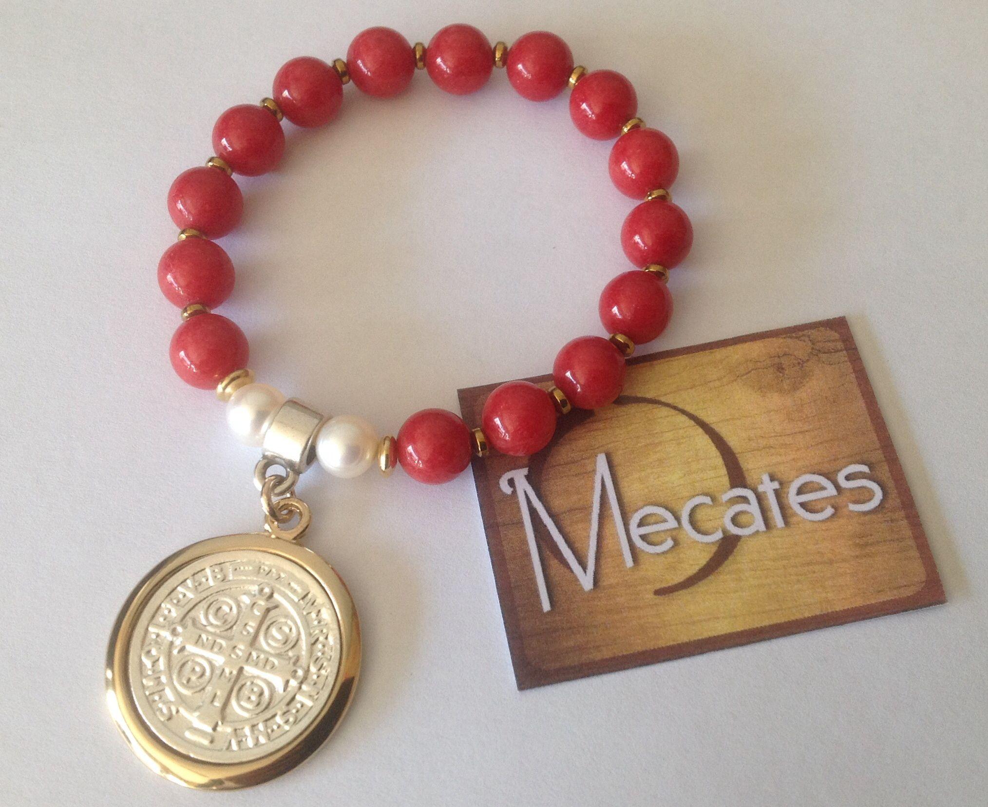 d989dc53f180 Pulsera con medalla de San Benito | Mecates | Pulseras y brazaletes ...