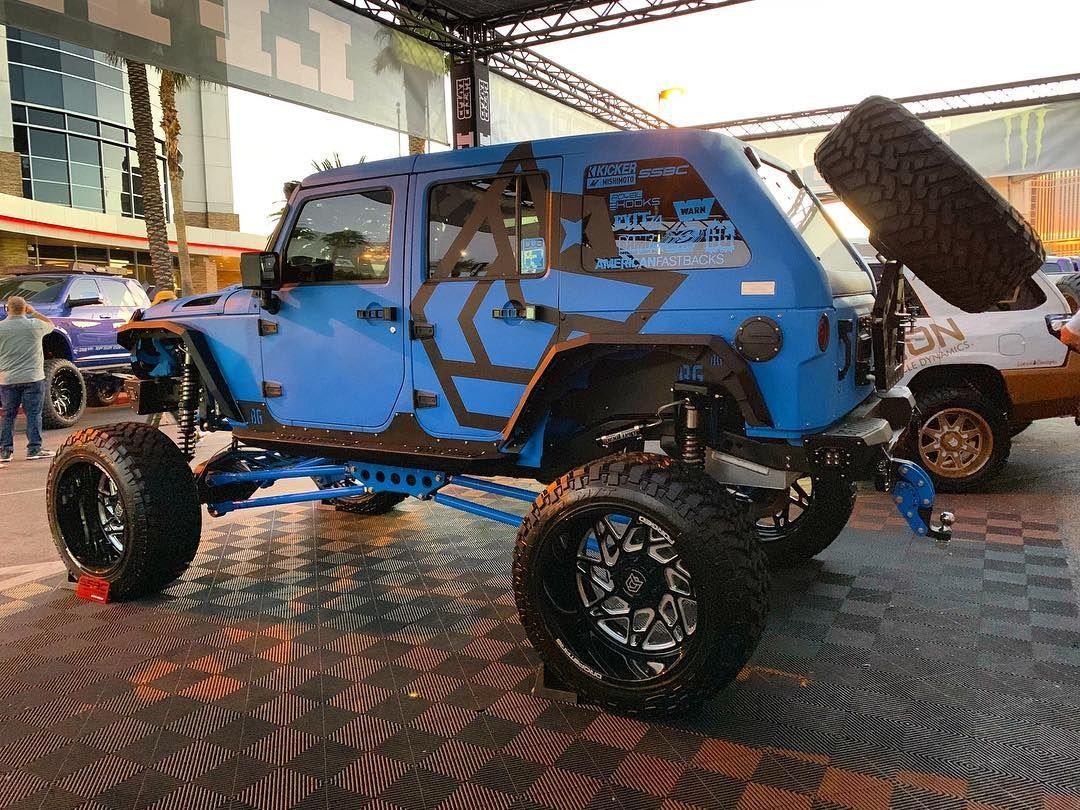 Awesome Jeep Build For Sema 2018 Varnbiltmotorsports Jeep Truck Rc Jeep Jeep Wrangler