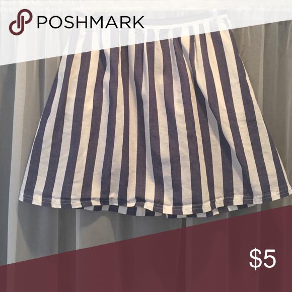 Women's Skirt (unworn/new) blue and white skater skirt LC Lauren Conrad Skirts Circle & Skater