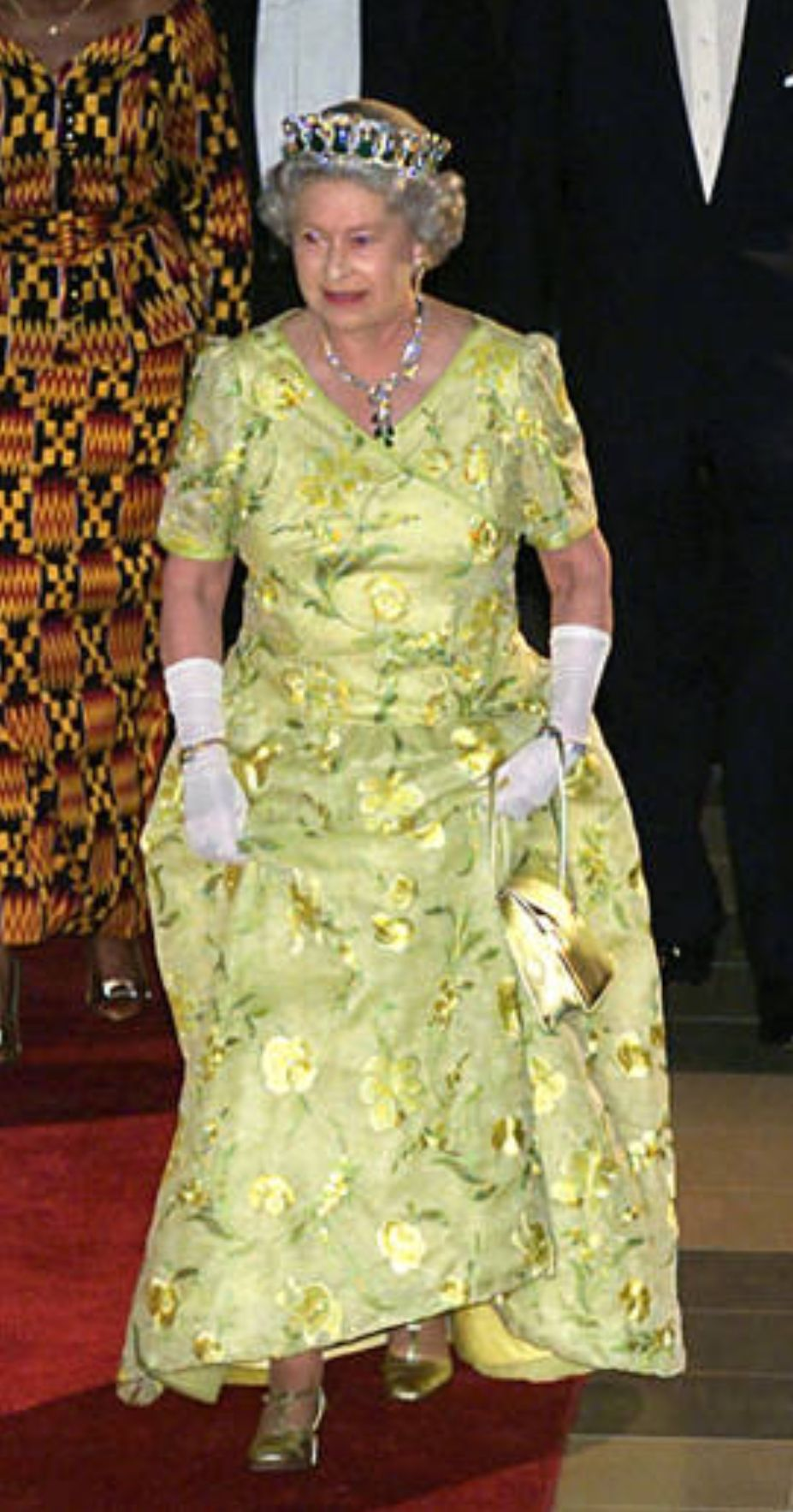 Queen elizabeth green dress  Queen Elizabeth II arriving as royal guest of honour at a state