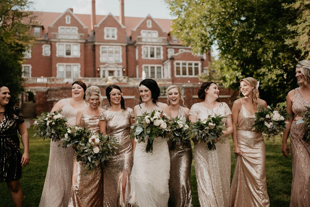 Girl Gang Glensheen Mansion Duluth Mn In 2020 Minnesota Wedding Venues Glensheen Glensheen Mansion