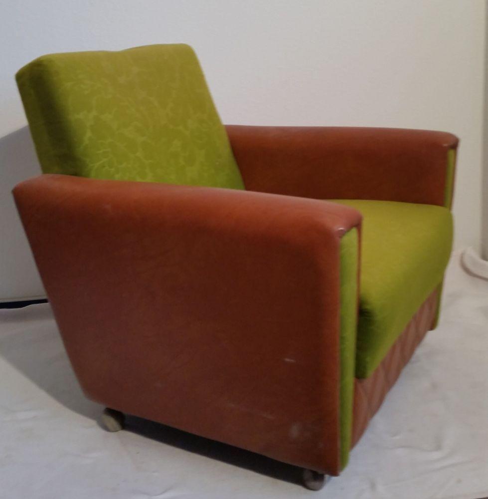 Verkaufe Einen Alten Sessel Auf Rollen Mit Stoff Kunstlederbezug Ich Vermute Dass Der Sessel Aus Den 1970er Jahren Stam Alter Sessel Sessel Cocktailsessel