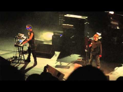 Suicide (Alan Vega & Martin Rev) play 'Suicide' live in London 2010 supporting Iggy Pop - YouTube