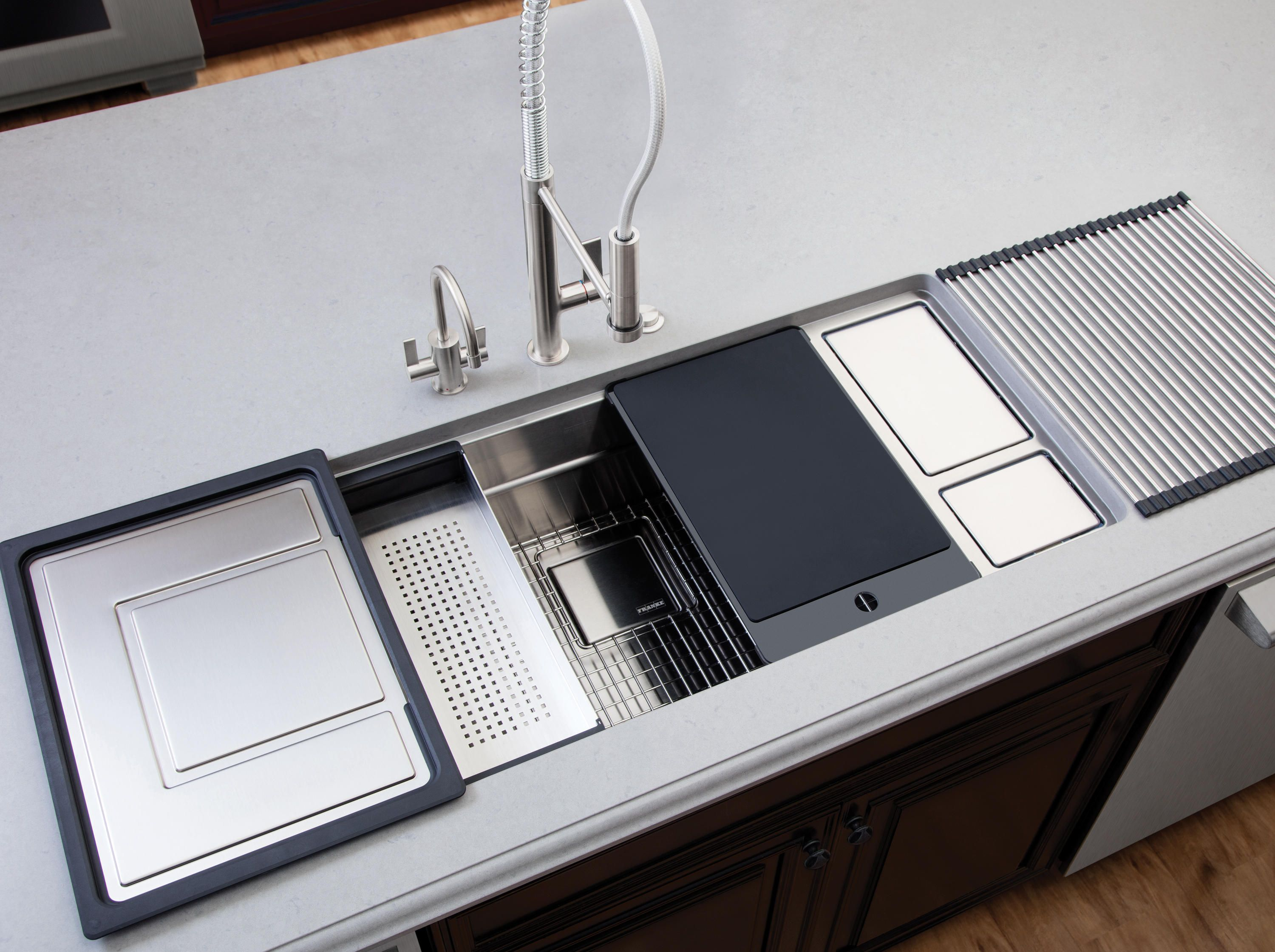 Chef center sinks stainless steel kitchen sinks from franke kitchen systems architonic