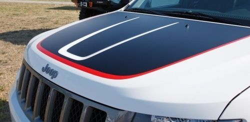 Jeep And 3m Joining To Create Those Hood Decals You Love Jeep Cherokee Accessories Jeep Cherokee Trailhawk Jeep Cherokee Xj
