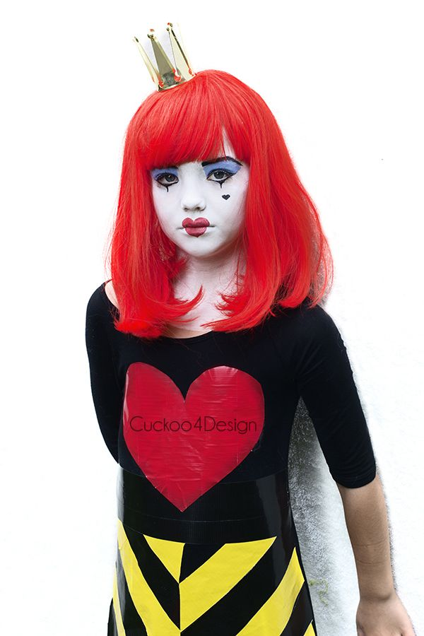 Cheap and Easy Queen of Hearts Costume - Cuckoo4Design  sc 1 st  Pinterest & Cheap and Easy Queen of Hearts Costume | Costumes Sugar skull ...