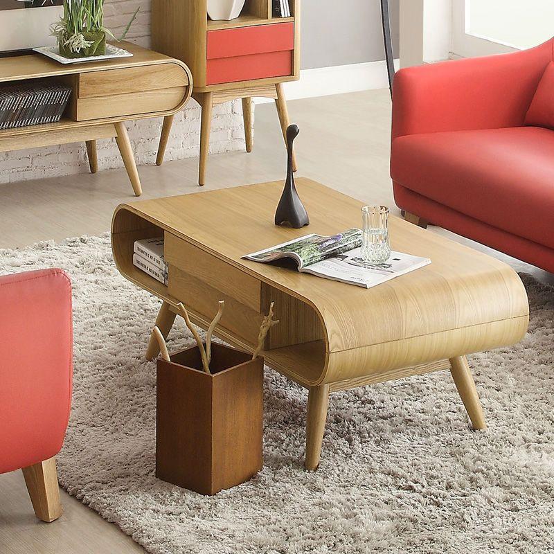 table basse scandinave en bois massif tapis shaggy gris perle et