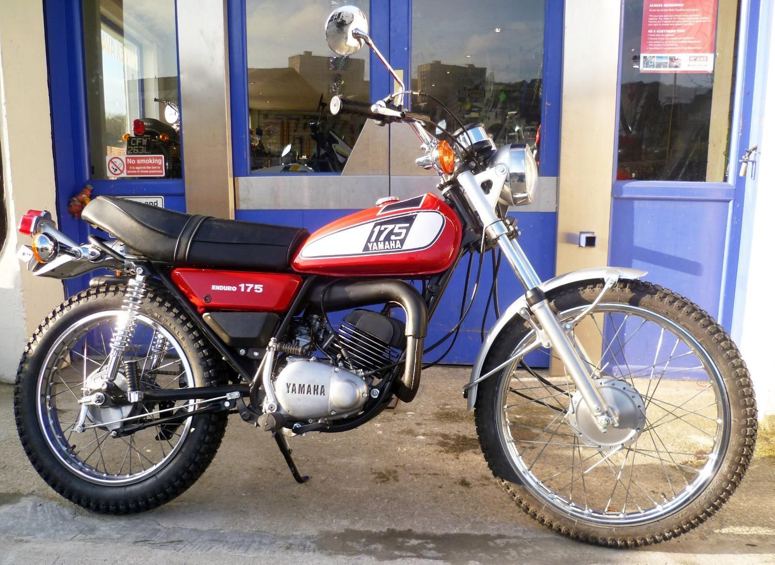 Classic Yamaha Dt175 Twin Shock Reduced To 2250 Yamaha Classic Bikes Classic Motorcycles