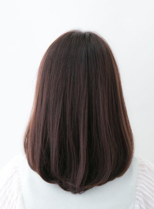 大人可愛い小顔カジュアルフェミニンミディスタイル 前髪は厚めに