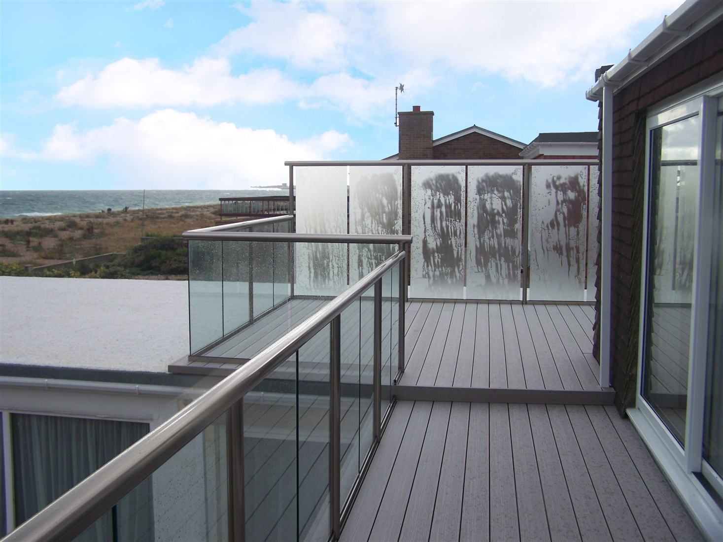 Best Royal Chrome Handrail And Posts With Clear Glass And 400 x 300