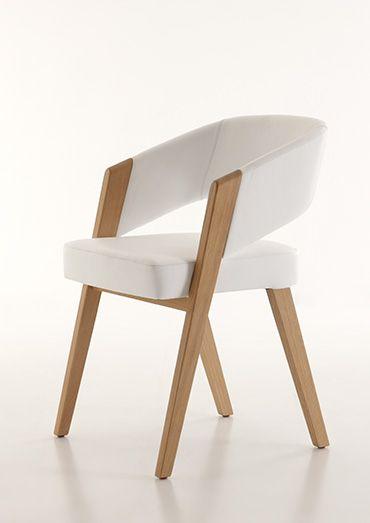 Stühle und Tische Massivholzmöbel Kollektion Decker