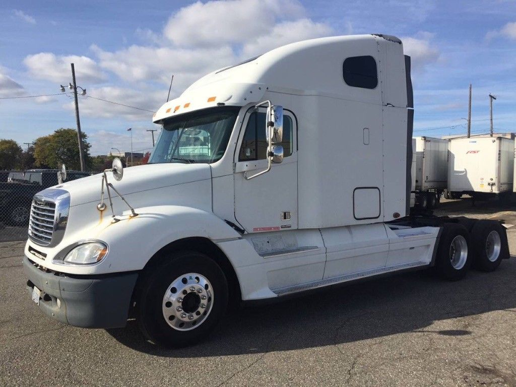 New Tires And Brakes 2007 Freightliner Columbia Truck Freightliner Trucks New Tyres
