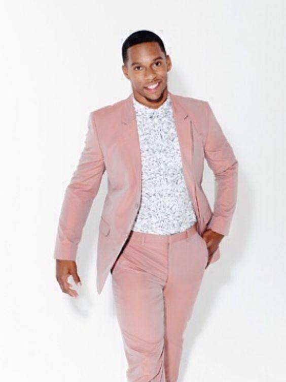 style vestimentaire homme romantique costume rose pale. Black Bedroom Furniture Sets. Home Design Ideas