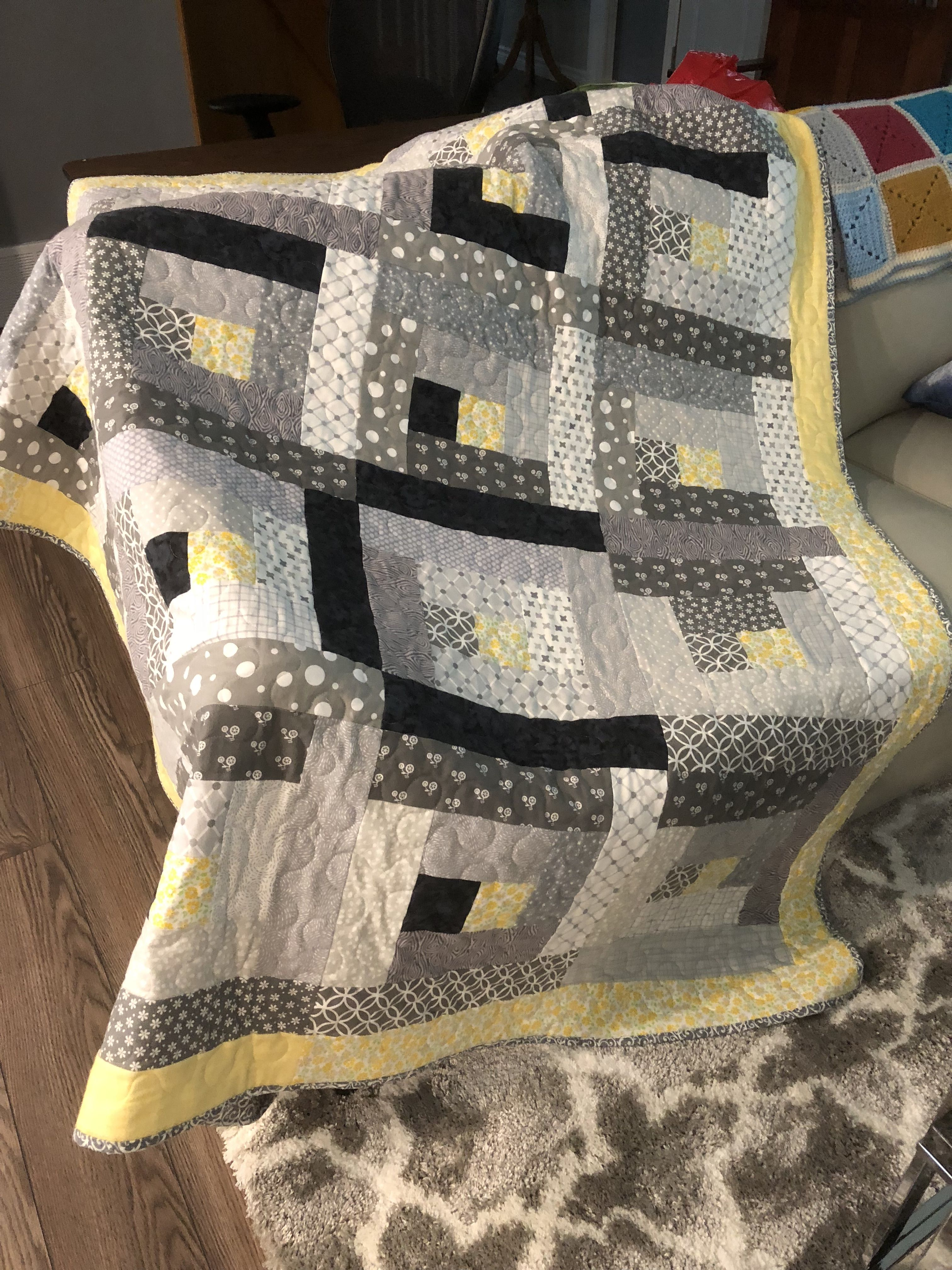 Gray And Pastel Yellow Log Cabin Quilt Basic Quilt Baby Quilts Grey Quilt