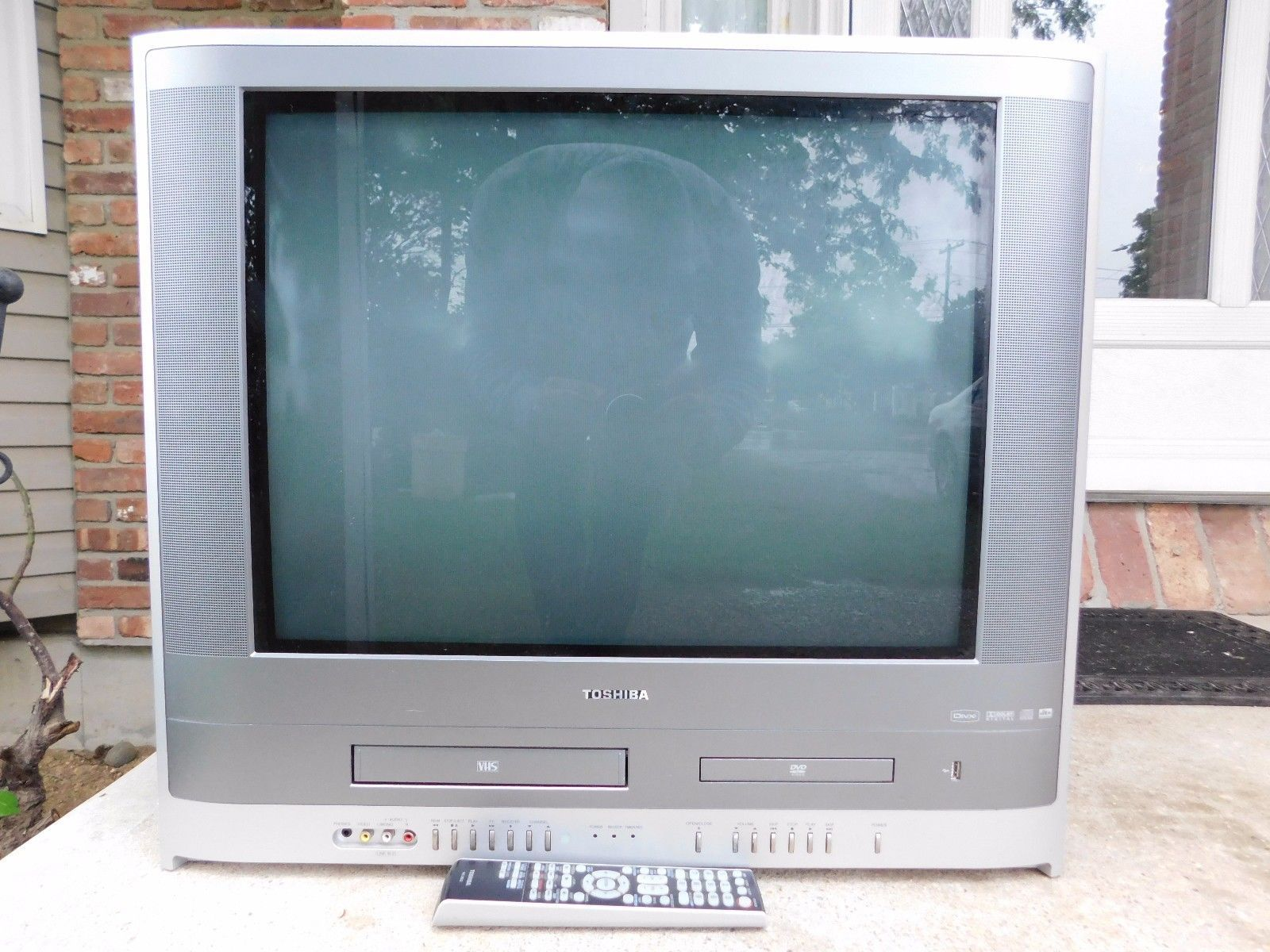 TOSHIBA MW24F52 24 CRT TV DVD VHS VCR PLAYER COMBO COLOR GAMING ...