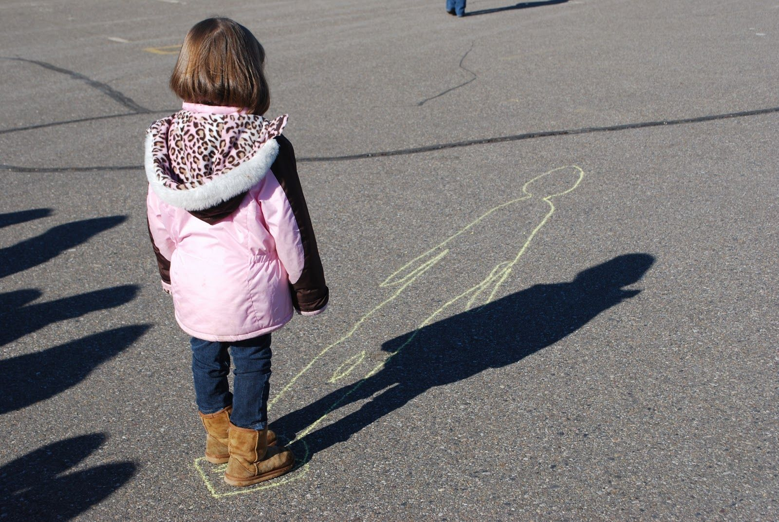Kinder Kapers: Groundhog Shadows Trace your shadow ...