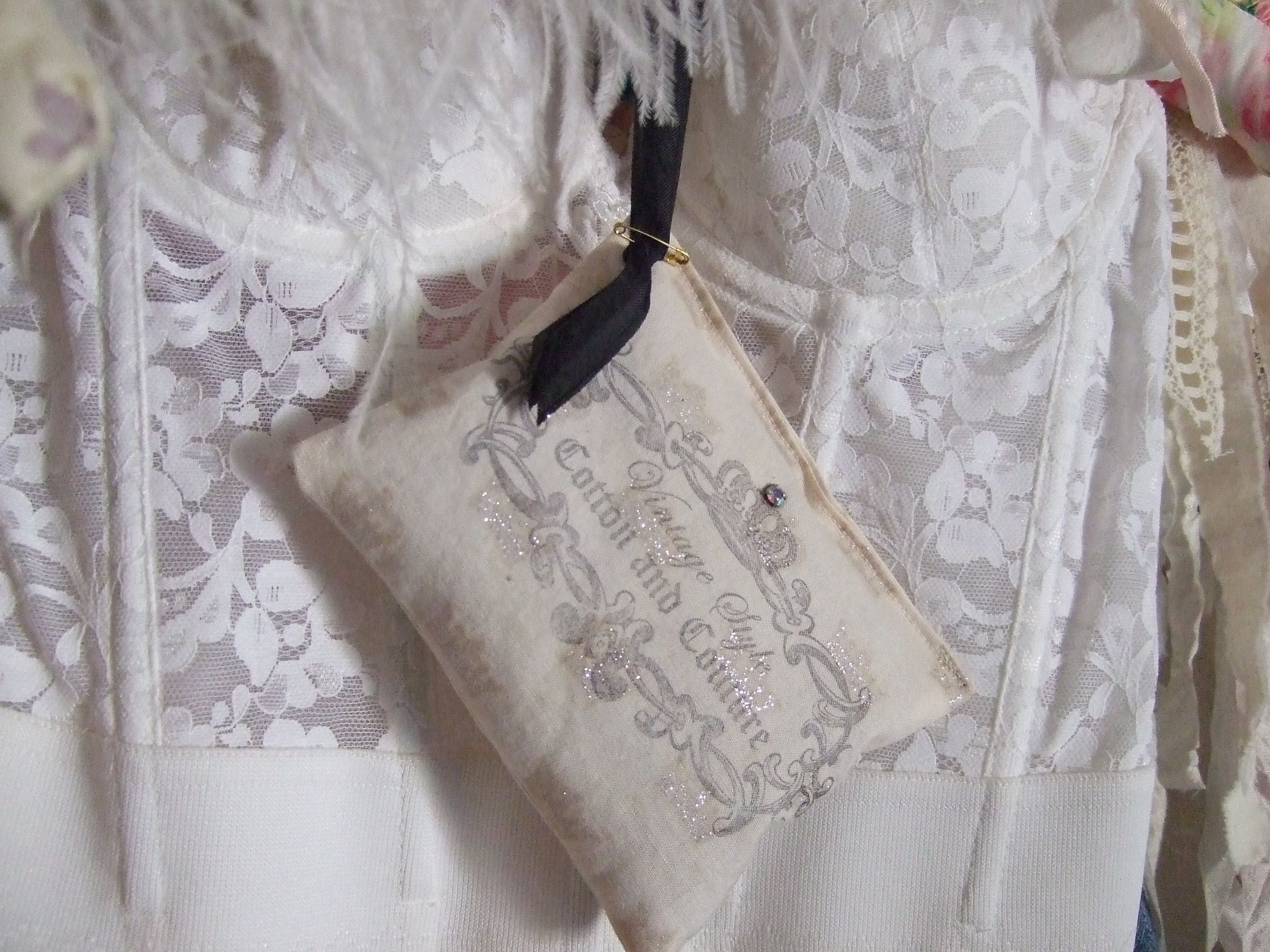 Boudoir Sachets~Closet Glamor
