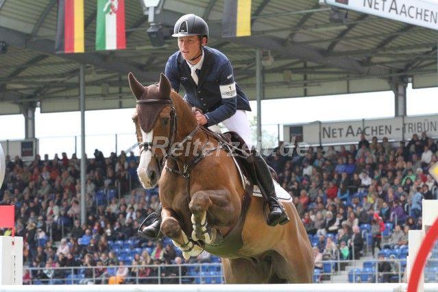 #ScottBrash gewinnt die #LGCTCannes - #DanielDeusser auf Platz 3 http://reiterzeit.de/cannes-jumping-international/#4 … #Springreiten #Showjumping #Pferdesport #Reiten