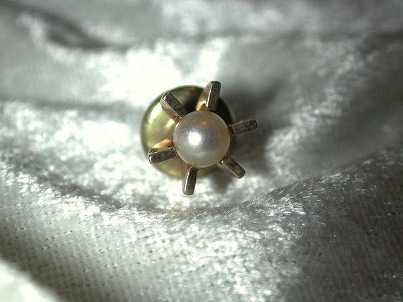 Hey, I found this really awesome Etsy listing at https://www.etsy.com/listing/64413201/vintage-1960s-10k-yg-tie-tack-with