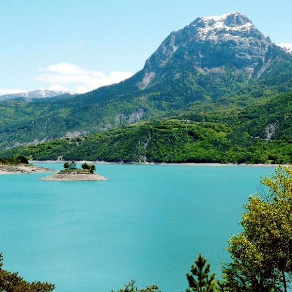 Aire camping car park crots serre pon on aire camping - Camping lac serre poncon piscine ...