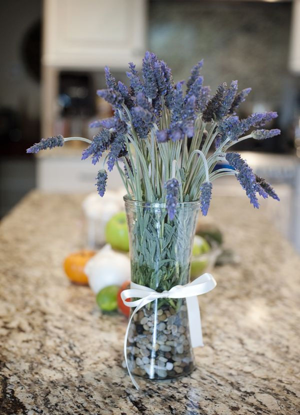 Lavender Flowers 4 Large Pieces To Make A Bountiful Flower Arrangement Nearly Natural Fake Plant To Brighten Up Your Home Party And Fake Plants Flower Arrangements Lavender Flowers