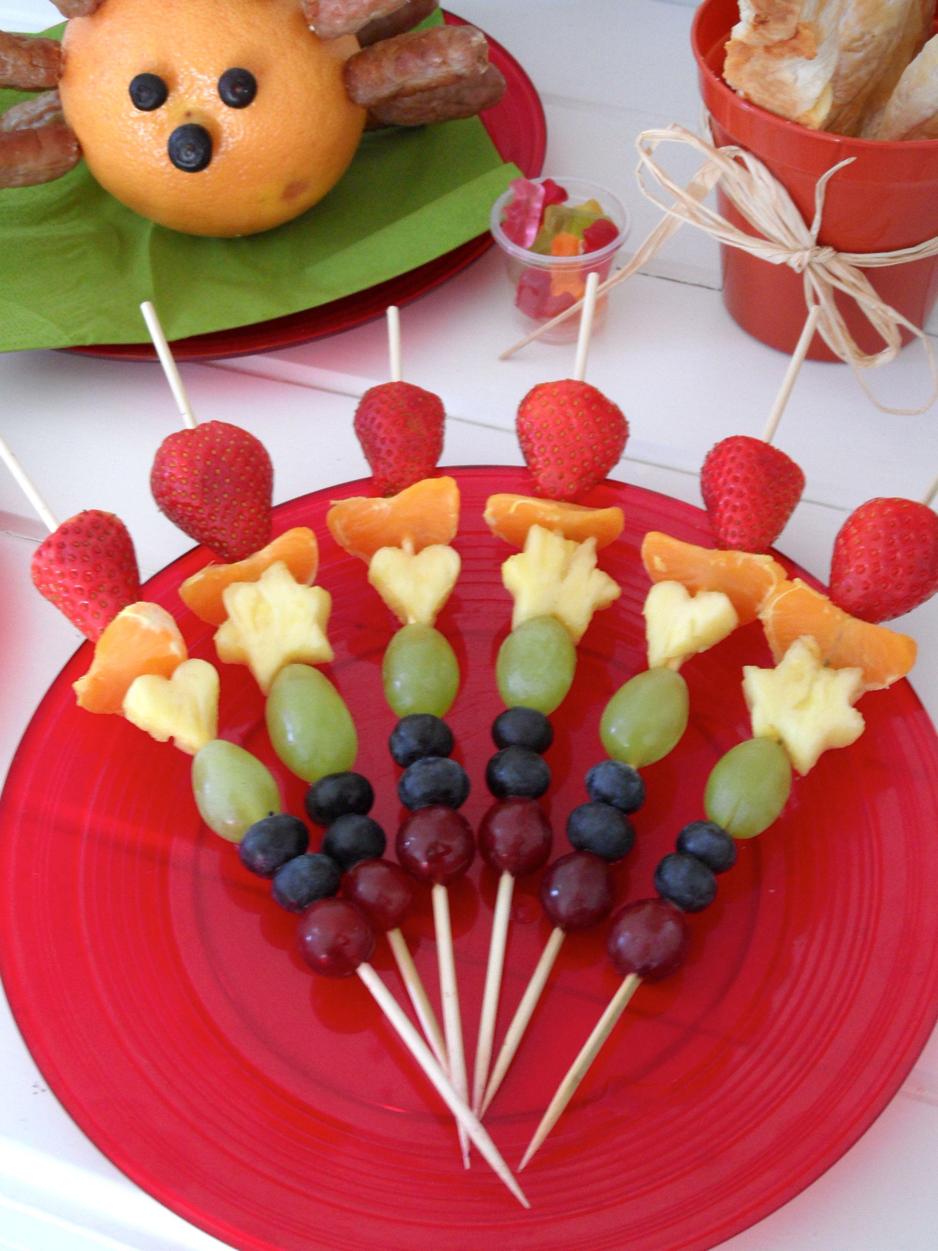 Rainbow Fruit Kebabs Brochetas De Frutas Pinchos De Frutas Fruta Para Niños