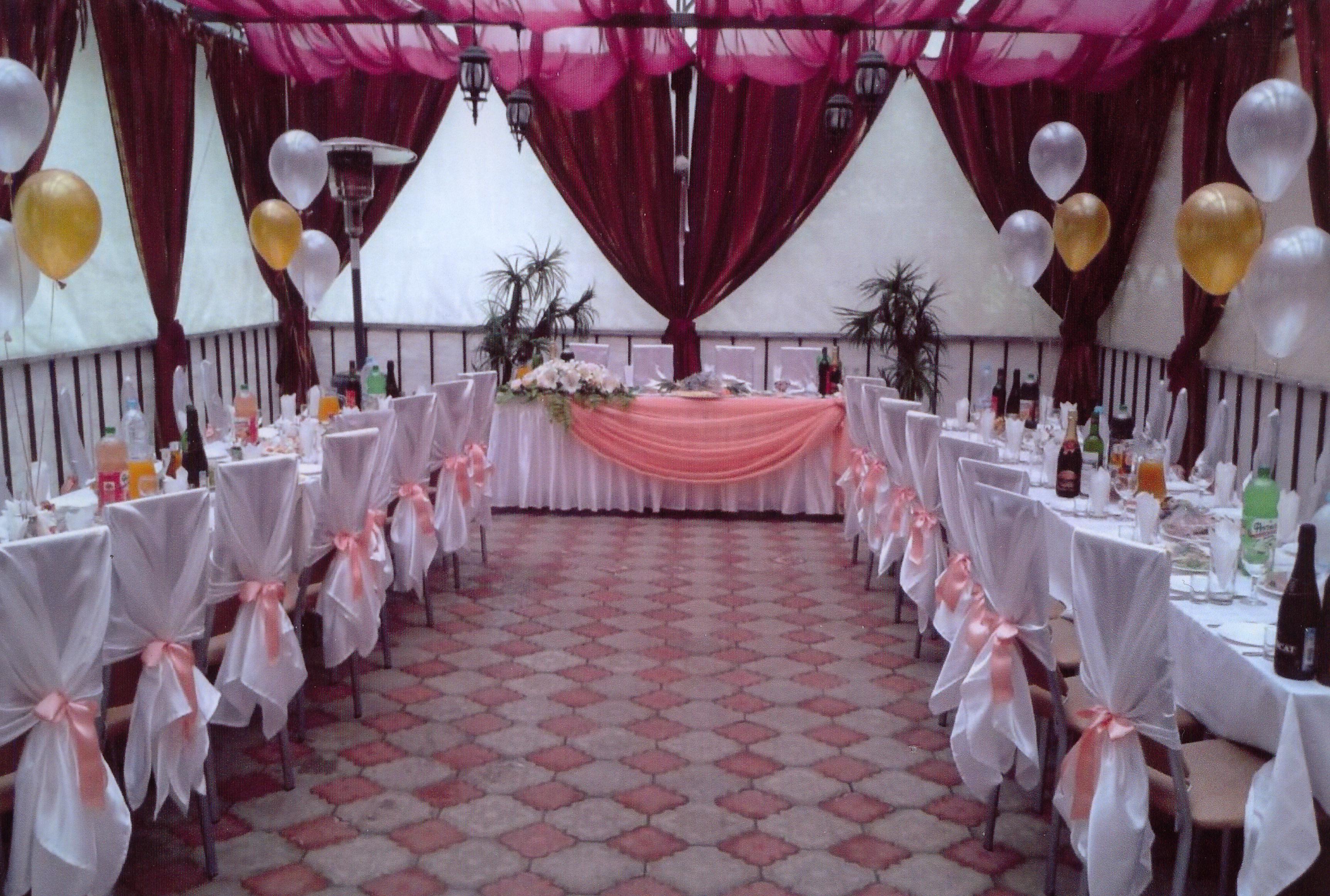 Свадьба в золотом оформлении: потрясающие идеи украшения зала