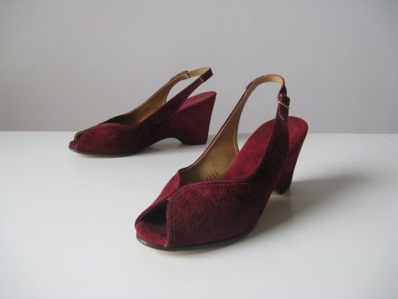 vintage 1940s platform shoes / maroon platforms by Dronning