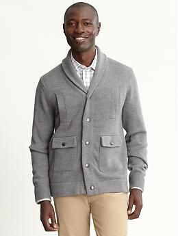 I like this sweater from BR. I might cop it next week during the 50% off f&f promo starting on the 15th.