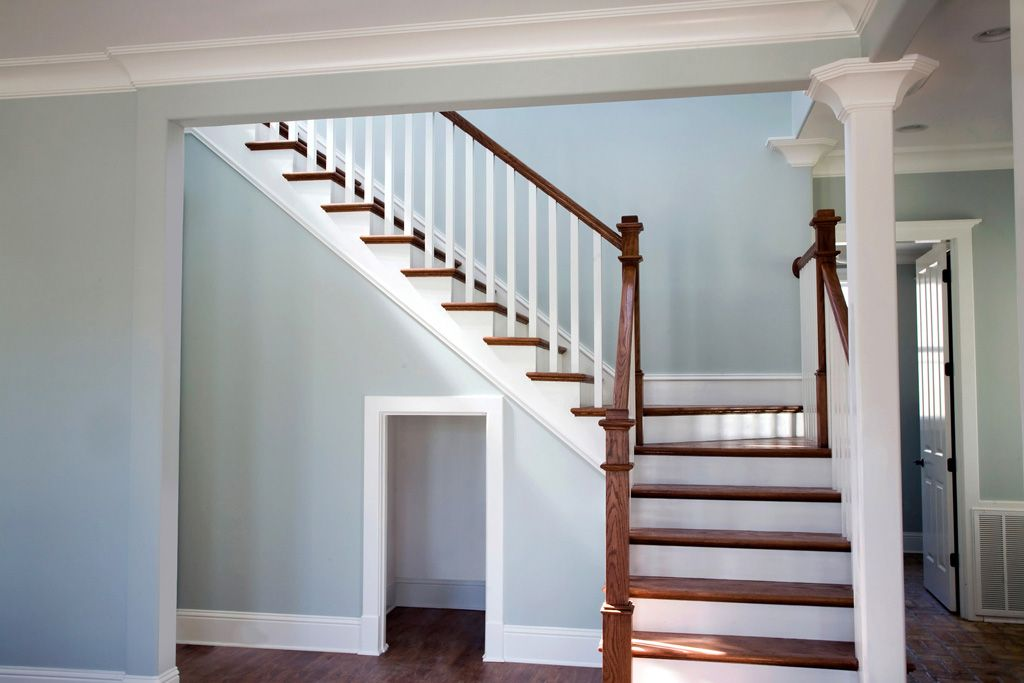 Best Primed 5060 Balusters 6010 Colonial Rail And 8431 Red 400 x 300