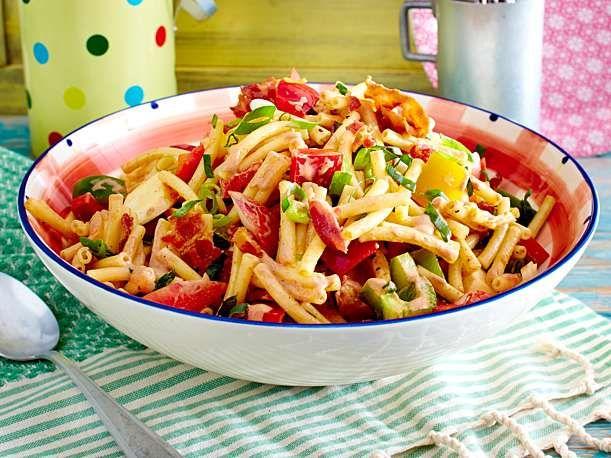 bbq pastasalat rezept food pinterest salat pasta. Black Bedroom Furniture Sets. Home Design Ideas