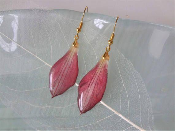 Fuchsia Earrings Resin Drop Earrings Fuchsia Real Flower Etsy In 2020 Botanical Jewelry Real Flower Jewelry Amazing Jewelry