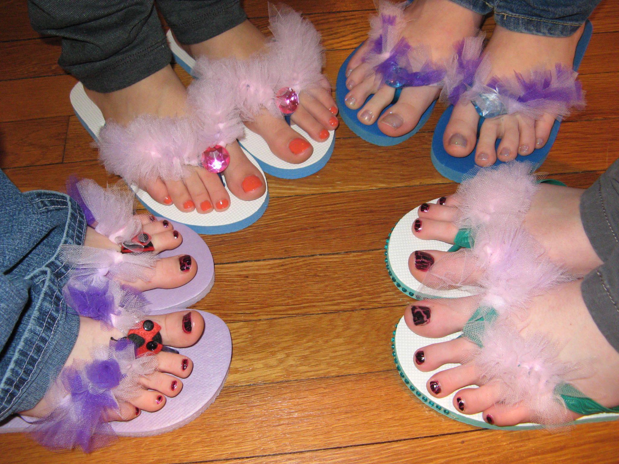 84acb685691e pedicure flip flops for little girls