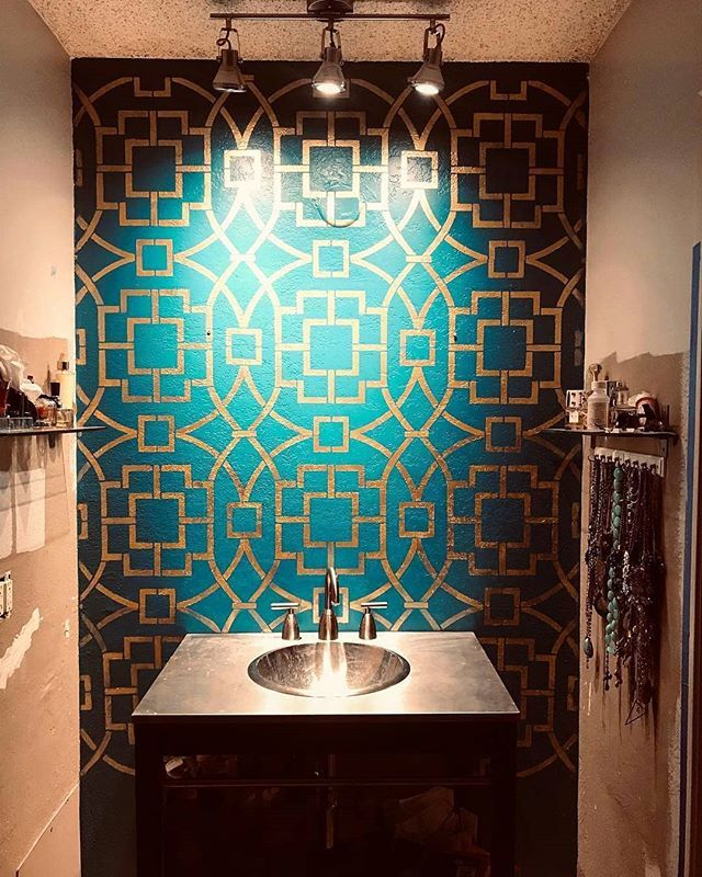 Stenciled Accent Wall Ideas On A Budget For Your Bathroom